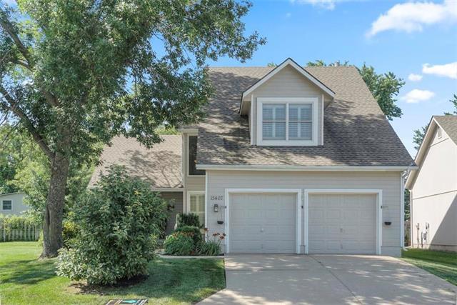15407 Floyd Street, Overland Park, KS 66223 (#2176871) :: Edie Waters Network