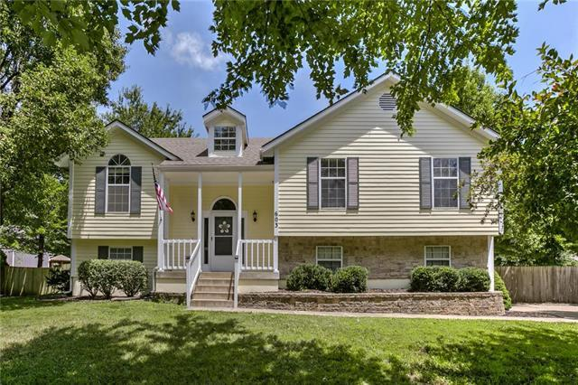 603 Woodson Lane, Greenwood, MO 64034 (#2176885) :: Clemons Home Team/ReMax Innovations