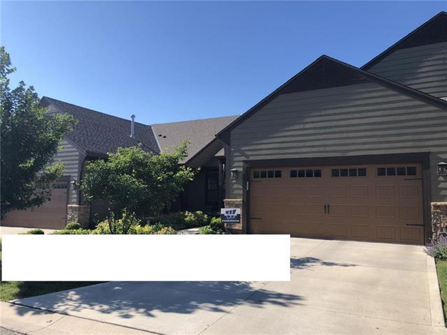 7807 W 158th Place, Overland Park, KS 66223 (#2176916) :: Edie Waters Network