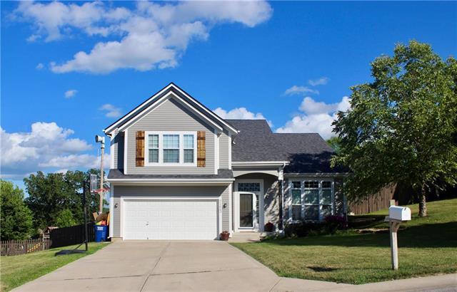 7153 Millbrook Street, Shawnee, KS 66218 (#2177021) :: House of Couse Group
