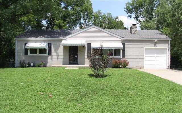 7918 Longwood Avenue, Kansas City, KS 66109 (#2177033) :: Edie Waters Network