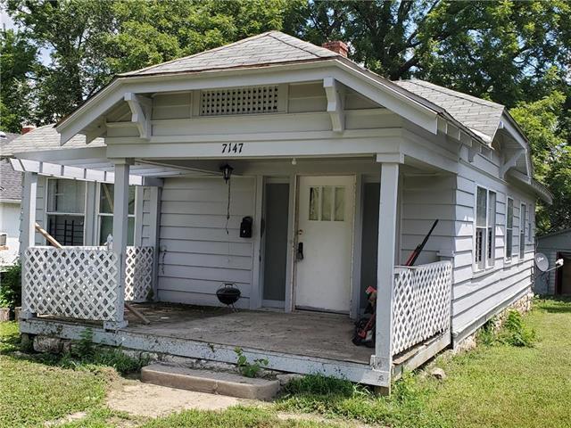 7147 S Benton Avenue, Kansas City, MO 64132 (#2177088) :: Team Real Estate