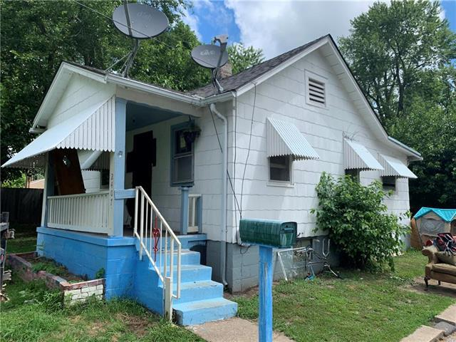 2407 Vermont Street, Independence, MO 64052 (#2177132) :: Edie Waters Network