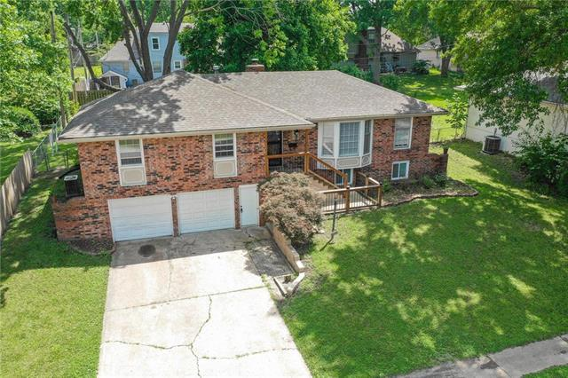 7705 E 127th Street, Grandview, MO 64030 (#2177165) :: The Shannon Lyon Group - ReeceNichols