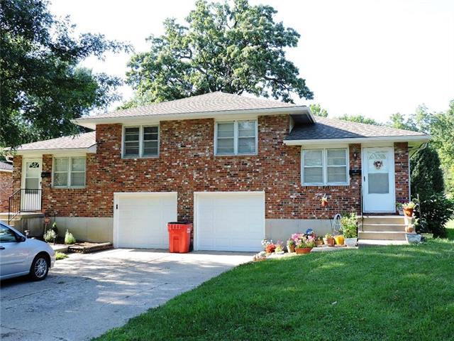 11226 E 25 Street, Independence, MO 64052 (#2177173) :: Edie Waters Network