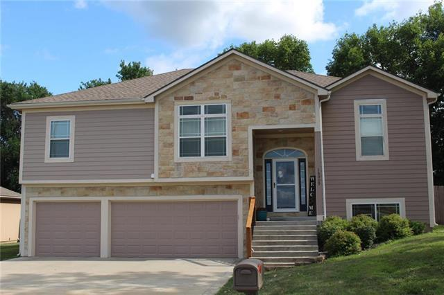 16909 Juniper Drive, Basehor, KS 66007 (#2177178) :: House of Couse Group
