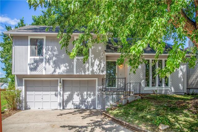 734 S 9th Street, Edwardsville, KS 66111 (#2177183) :: Team Real Estate