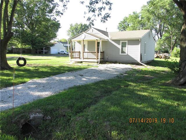 110 W Artic Street, Kingsville, MO 64061 (#2177185) :: Edie Waters Network