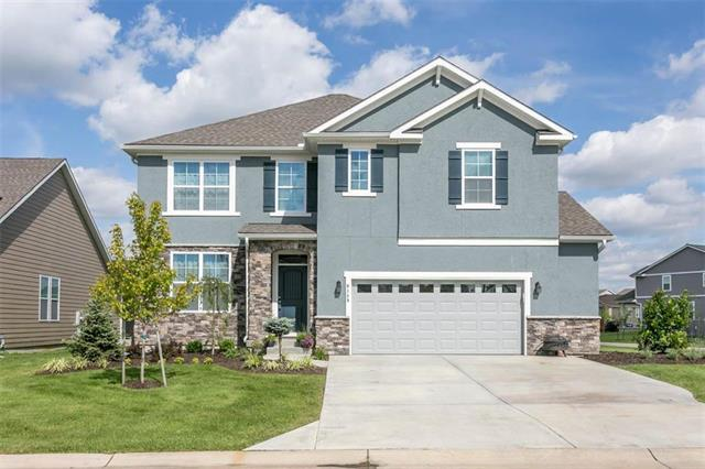9149 Kenton Street, Lenexa, KS 66227 (#2177218) :: The Shannon Lyon Group - ReeceNichols