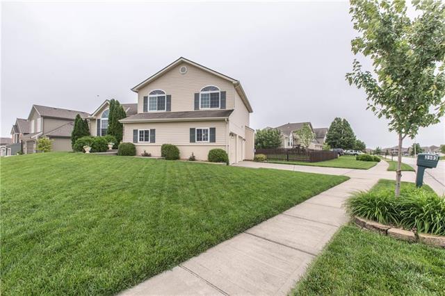 3903 NE 91st Terrace, Kansas City, MO 64156 (#2177219) :: House of Couse Group