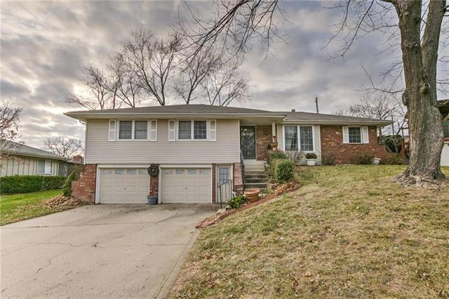 5224 N Central Street, Gladstone, MO 64118 (#2177223) :: House of Couse Group