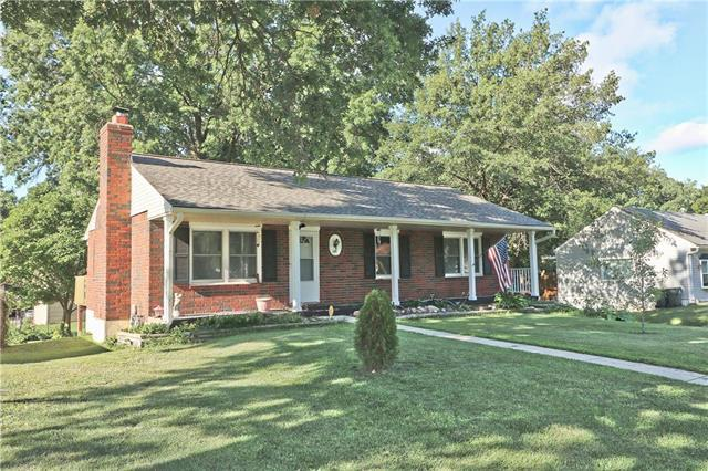 1301 NE 75th Street, Gladstone, MO 64118 (#2177238) :: House of Couse Group
