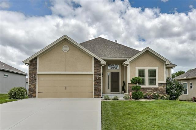 7145 N Quincy Avenue, Kansas City, MO 64119 (#2177279) :: House of Couse Group