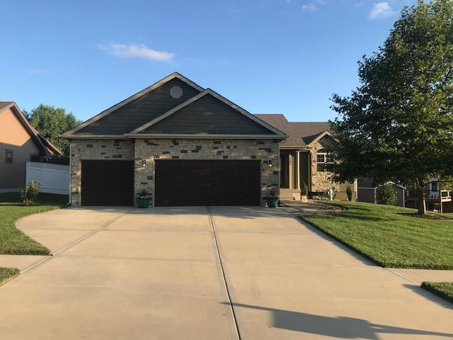 2606 E Stonecreek Avenue, Tonganoxie, KS 66086 (#2177295) :: House of Couse Group