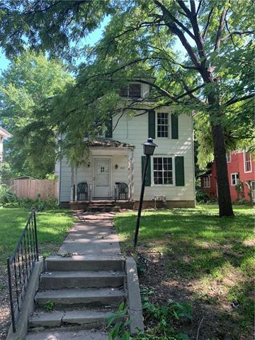 213 Vine Street, Leavenworth, KS 66048 (#2177337) :: House of Couse Group