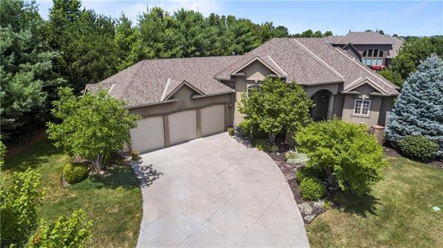 10220 N Prospect Avenue, Kansas City, MO 64155 (#2177360) :: House of Couse Group