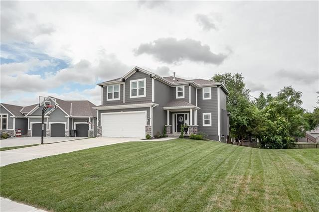 19593 W 121st Street, Olathe, KS 66061 (#2177389) :: The Shannon Lyon Group - ReeceNichols