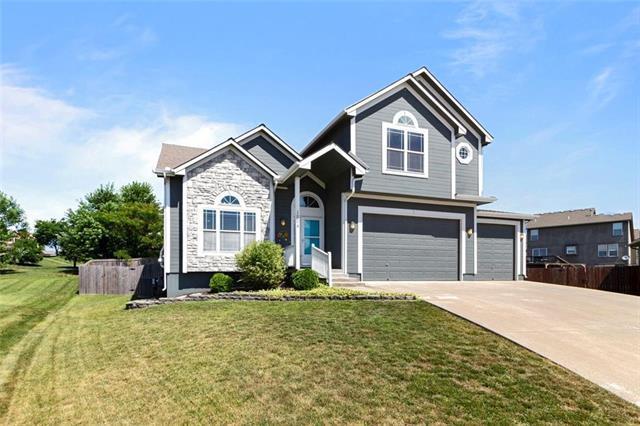 1004 NW 112th Terrace, Kansas City, MO 64155 (#2177420) :: Dani Beyer Real Estate