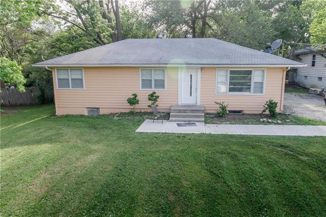 4024 N Kansas Avenue, Kansas City, MO 64116 (#2177426) :: Kansas City Homes