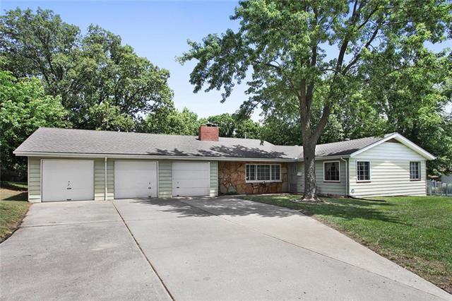 4420 NE 56th Street, Kansas City, MO 64119 (#2177430) :: Kansas City Homes
