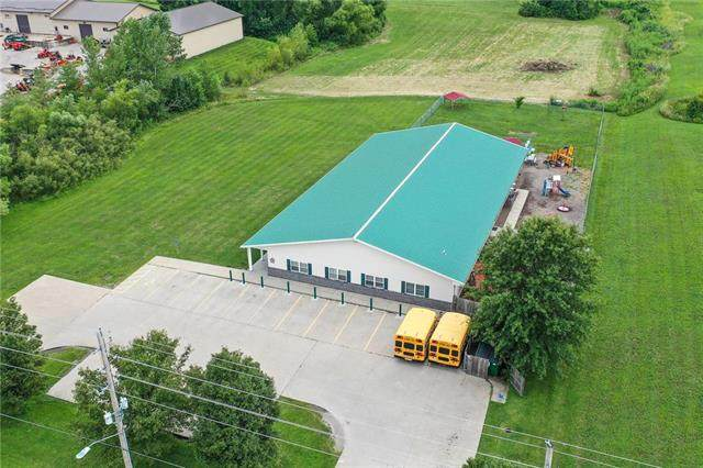 1050 S Commercial Street, Smithville, MO 64089 (#2177458) :: The Shannon Lyon Group - ReeceNichols