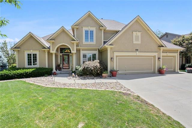 6465 NW Nevada Avenue, Parkville, MO 64152 (#2177489) :: Kansas City Homes