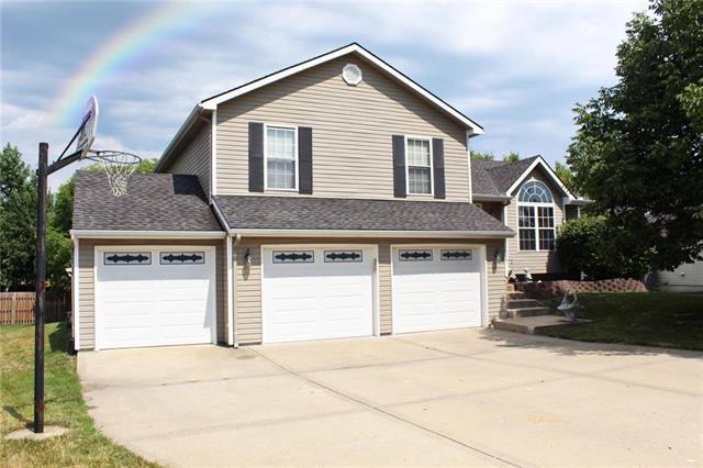 10335 N Tracy Avenue, Kansas City, MO 64155 (#2177557) :: Kansas City Homes