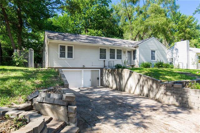 624 NE 45th Terrace, Kansas City, MO 64116 (#2177580) :: Kansas City Homes
