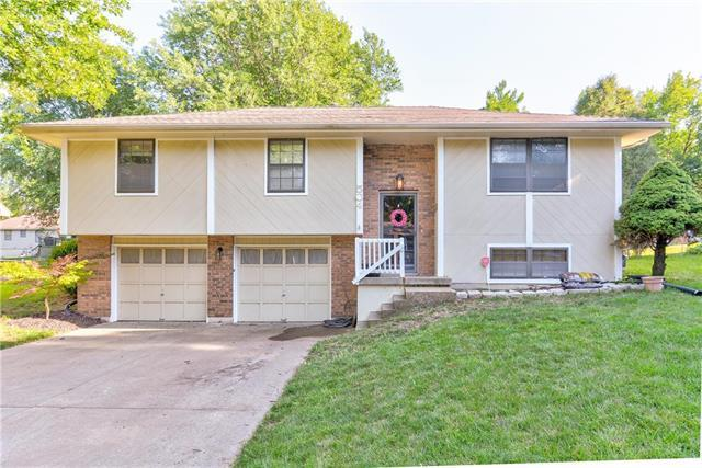 504 SE Sherri Lane, Blue Springs, MO 64014 (#2177601) :: Kansas City Homes