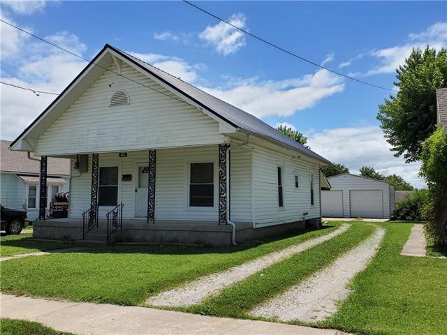 143 Walnut Street, Osawatomie, KS 66064 (#2177607) :: House of Couse Group