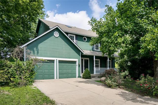 15434 Glenwood Street, Overland Park, KS 66223 (#2177628) :: The Shannon Lyon Group - ReeceNichols