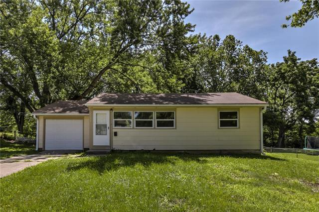 6109 N Virginia Avenue, Gladstone, MO 64118 (#2178669) :: Clemons Home Team/ReMax Innovations