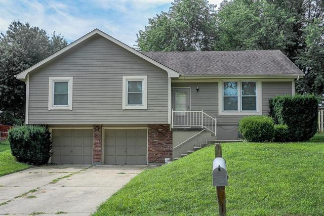508 SE Sherri Lane, Blue Springs, MO 64014 (#2178708) :: Clemons Home Team/ReMax Innovations