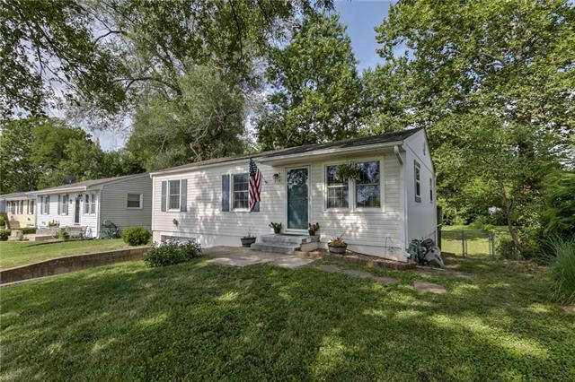 218 S Terrace Avenue, Liberty, MO 64068 (#2178722) :: Clemons Home Team/ReMax Innovations