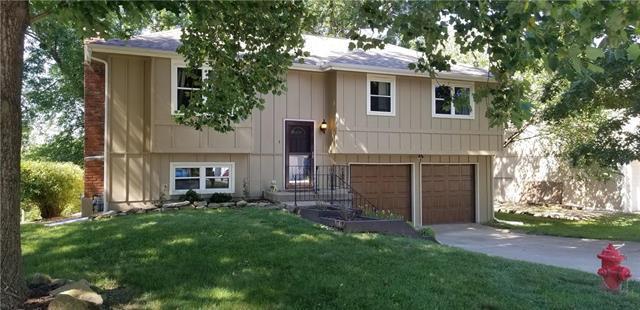 8422 NW 68TH Street, Kansas City, MO 64152 (#2178732) :: Kansas City Homes
