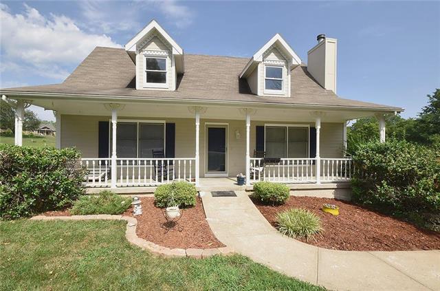 7701 NW Paradise Lane, Parkville, MO 64152 (#2178865) :: Kansas City Homes