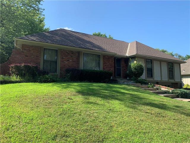 8136 NW Beaman Drive, Kansas City, MO 64151 (#2178904) :: Kansas City Homes