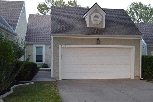 9619 NE Cherry Court, Kansas City, MO 64155 (#2178905) :: Dani Beyer Real Estate