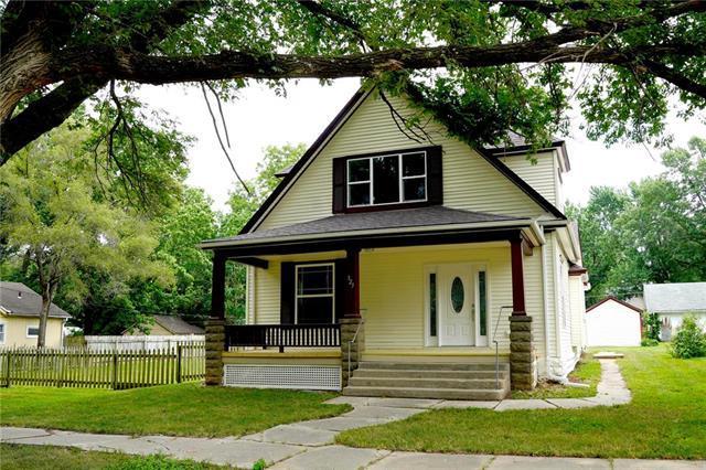 323 S Ash Street, Ottawa, KS 66067 (#2178919) :: Eric Craig Real Estate Team