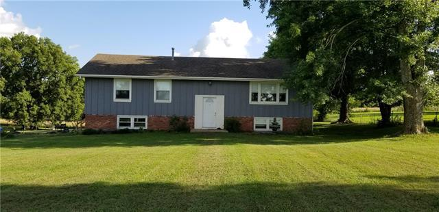 23019 Hatchell Road, Tonganoxie, KS 66086 (#2178928) :: Clemons Home Team/ReMax Innovations