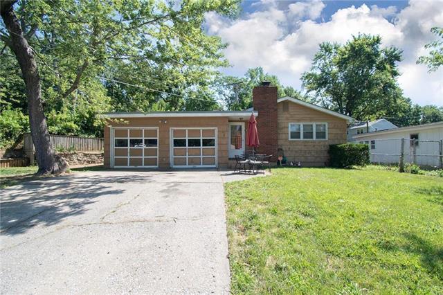 3941 N Cherry Street, Kansas City, MO 64116 (#2178967) :: Dani Beyer Real Estate