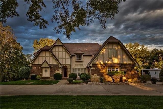 13403 Timber Ridge Drive, Parkville, MO 64152 (#2178983) :: Dani Beyer Real Estate