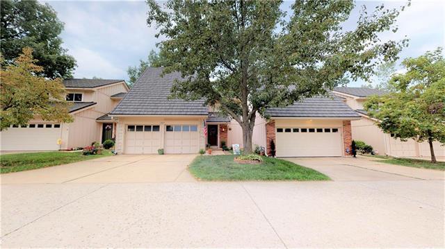 287 NE Bayview Drive, Lee's Summit, MO 64064 (#2178988) :: Kansas City Homes