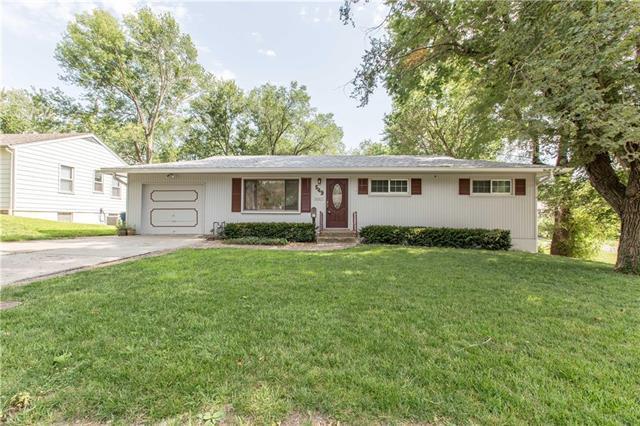 549 E Arthur Street, Liberty, MO 64068 (#2179034) :: Kansas City Homes