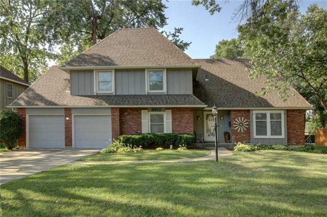 8912 W 105th Terrace, Overland Park, KS 66211 (#2179038) :: Kansas City Homes