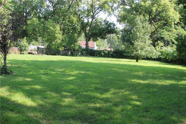 2811 NE Russell Road, Kansas City, MO 64117 (#2179090) :: Kansas City Homes
