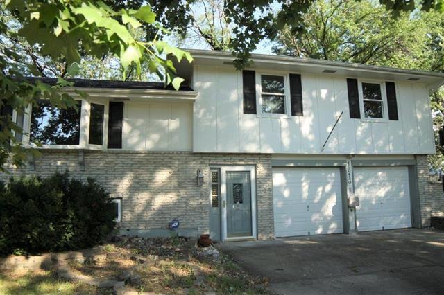 1613 NW 66th Street, Kansas City, MO 64118 (#2179108) :: Kansas City Homes
