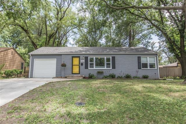 7801 W 66th Street, Overland Park, KS 66202 (#2179113) :: Kansas City Homes