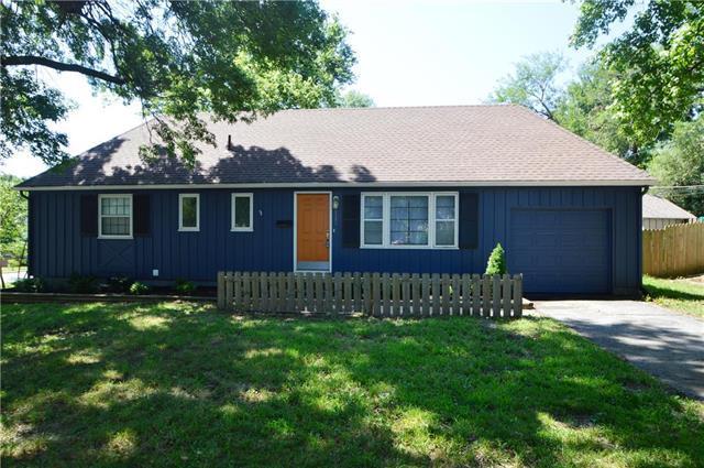 6301 W 77th Street, Prairie Village, KS 66204 (#2179120) :: Kansas City Homes