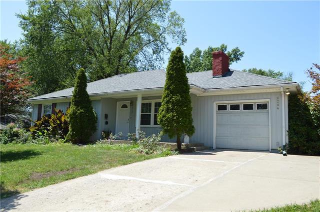 6204 N Park Avenue, Gladstone, MO 64118 (#2179148) :: Kansas City Homes